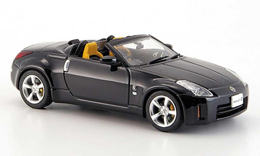 Nissan 350Z 1/43 Ebbro Fairlady Roadster schwarz offen 2005 modellautos