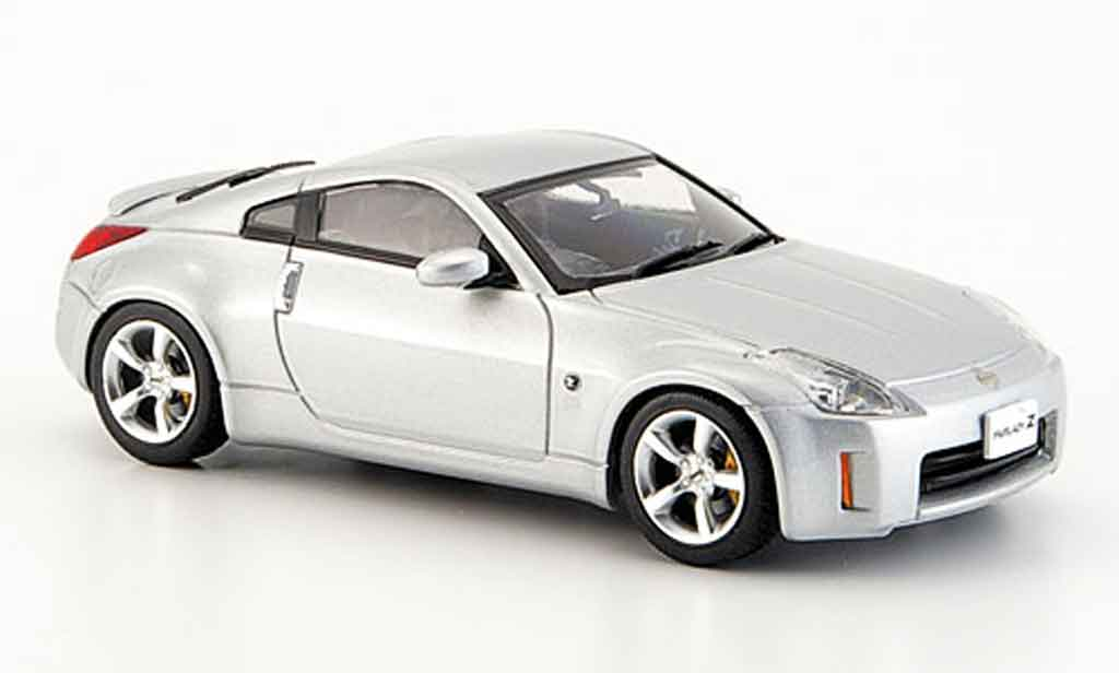 Nissan 350Z 1/43 Ebbro Fairlady grise metallisee Coupe Facelift 2005 miniature