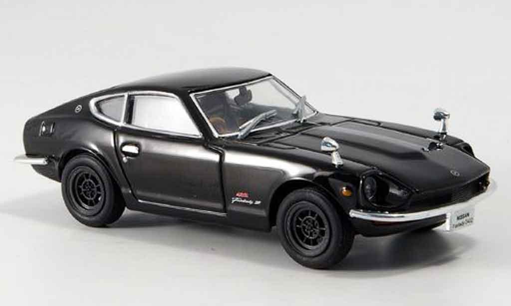 Nissan Fairlady Z S30 1/43 Norev noire 1969 miniature