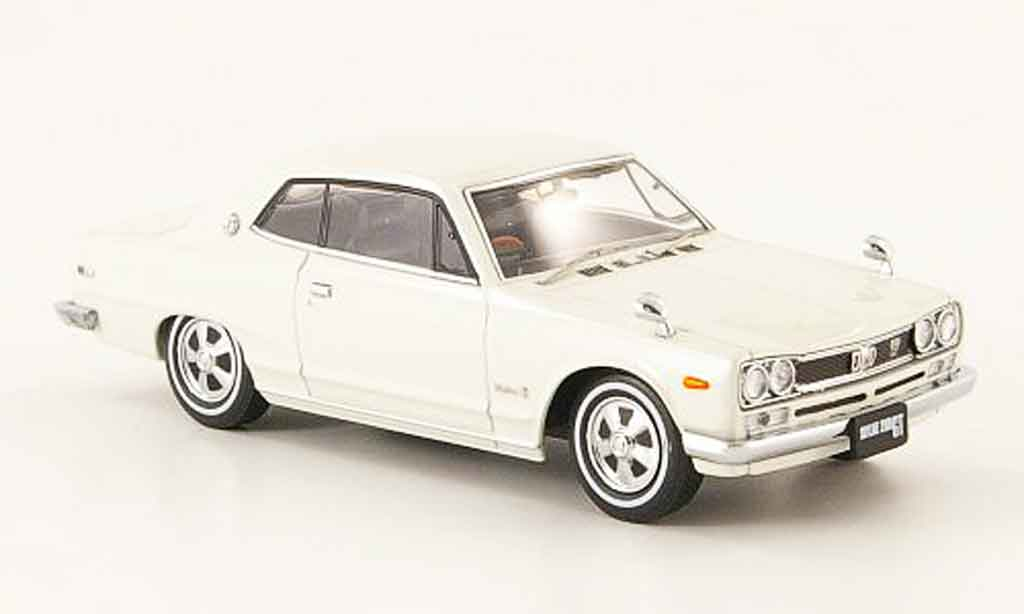 Nissan Skyline 2000 1/43 Ebbro GT (C10) Hardtop white 1971 diecast model cars