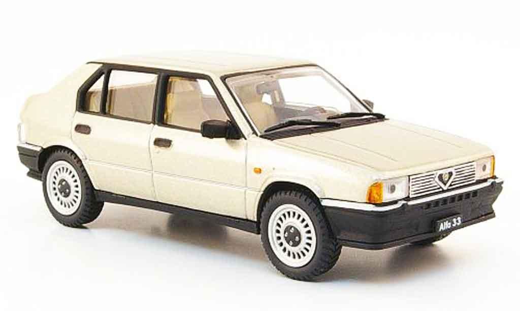 Alfa Romeo 33 1.3 1/43 Pego beige 1983 diecast