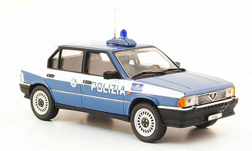 Alfa Romeo 33 1.3 1/43 Pego police 1983 miniature