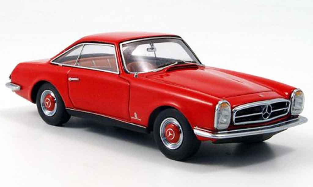 Mercedes 230 1/43 Neo 230 SL Pininfarina rouge miniature