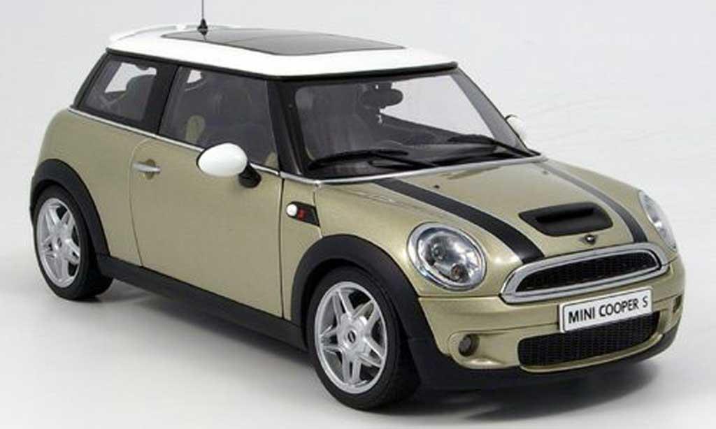 Mini Cooper S 1/18 Autoart beige bandes noires 2006 miniature