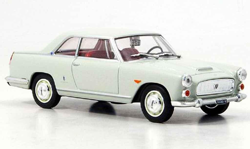 Lancia Flaminia coupe 3B 1/43 Starline creme blanche 1962 miniature