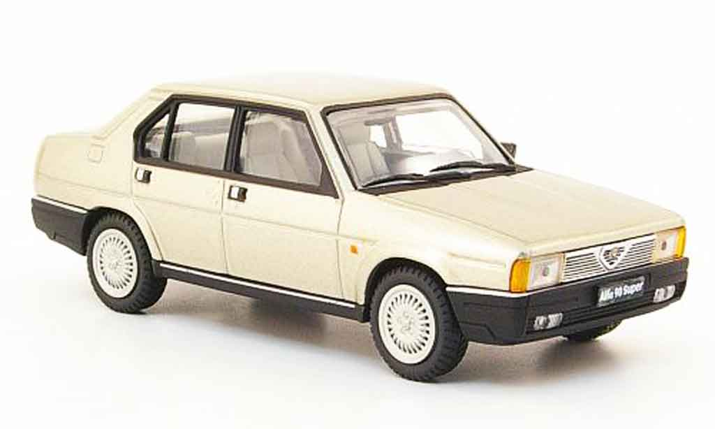Alfa Romeo 90 1/43 Pego super beige 1984 miniature