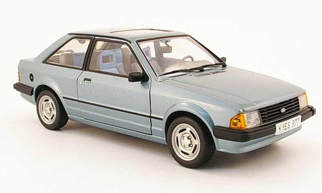Ford Escort MK3 1/18 Sun Star gl grise bleu 1981 miniature