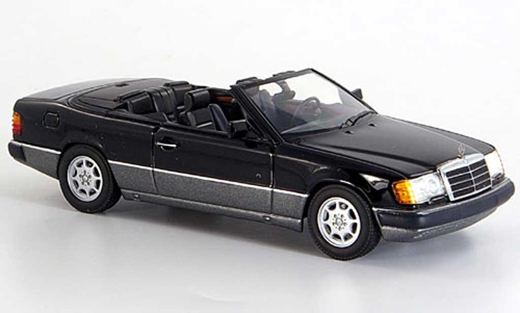 Mercedes 300 CE 1/43 Minichamps 24 Cabriolet noire geoffnetes Verdeck 1990 miniature