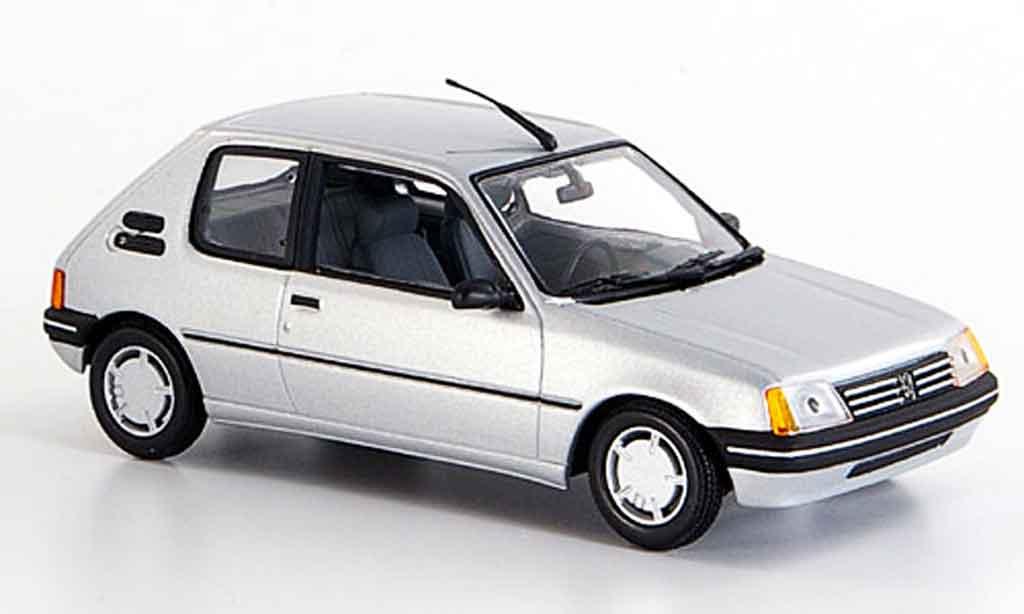 Peugeot 205 1/43 Minichamps grigia metallisee 1990 miniatura