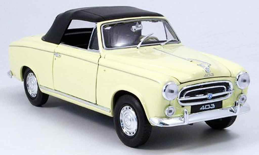Peugeot 403 Cabriolet 1/18 Welly beige avec capote 1957