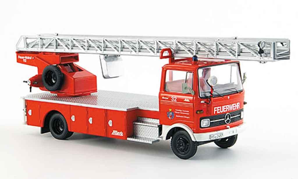 Mercedes LP 813 1/43 Schuco pompier Villingen Schwenningen miniature