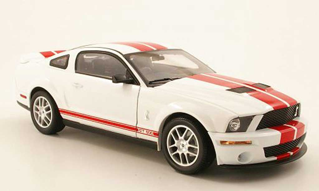 Shelby GT 500 2007 1/18 Shelby Collectibles blanche/rouge miniature