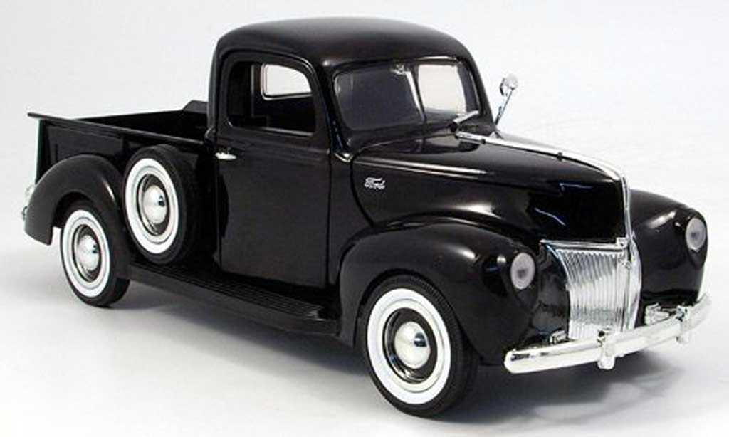 Ford 1940 1/18 Motormax pick-up negro  miniatura