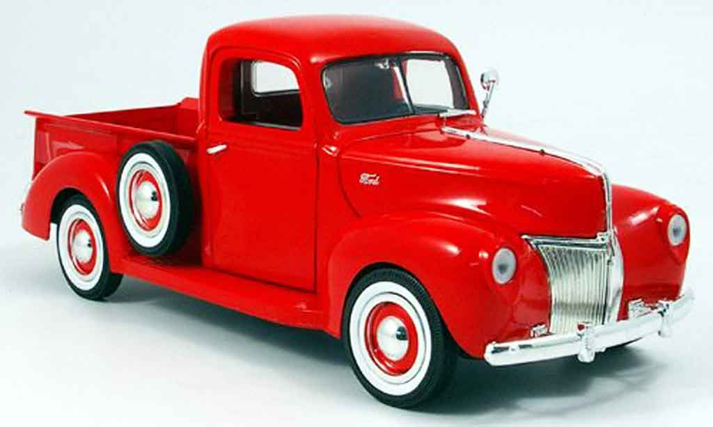 Ford 1940 1/18 Motormax pick-up roja miniatura