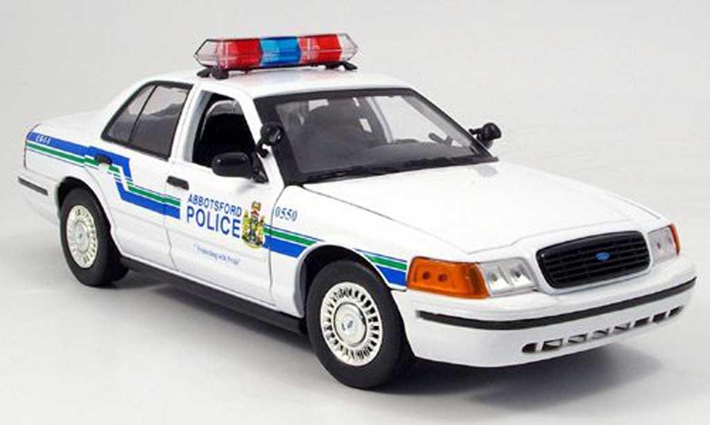 Ford Crown 1/18 Motormax Victoria Polizei Abbots 2001 miniature
