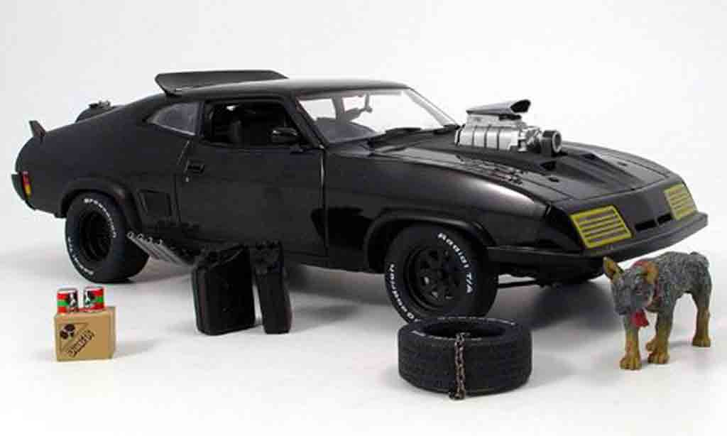 Mad Max ROAD WARRIOR INTERCEPTOR 1/18 Autoart 2 (ford falcon xb gt) noir 1973