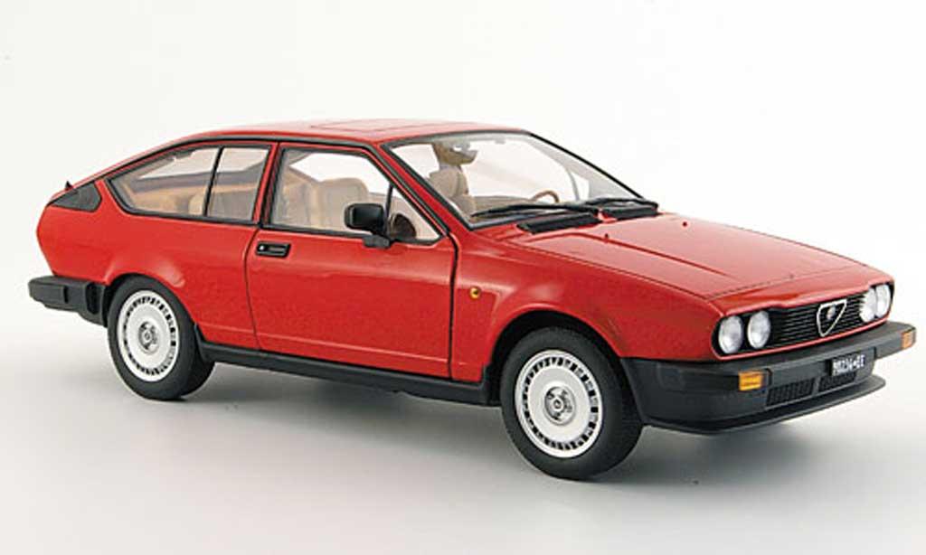 Alfa Romeo GT 2.0 1/18 Autoart V alfetta red 1980 diecast model cars