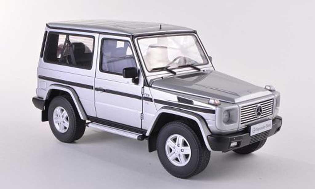 Mercedes Classe G 1/18 Autoart grise SWB 90er-Baureihe miniature