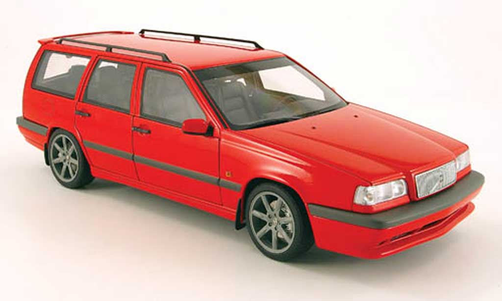 Volvo 850 Estate 1/18 Autoart break t-5r rouge miniature