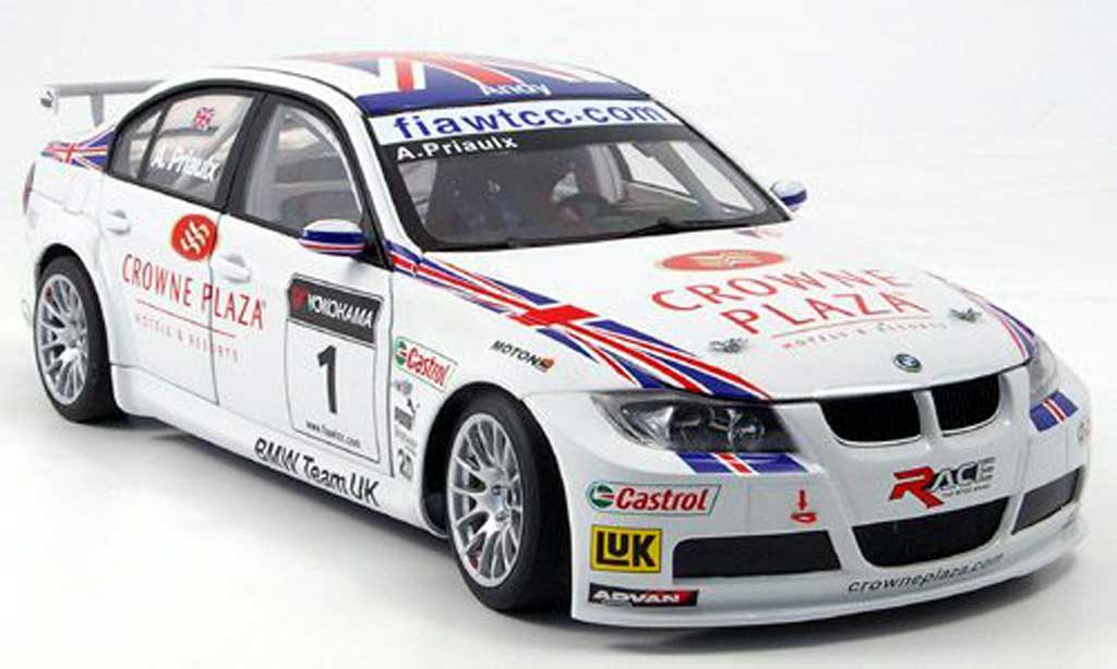 Bmw 320 E90 1/18 Autoart si no.1 team uk a.priaulx 2007 WTCC miniature