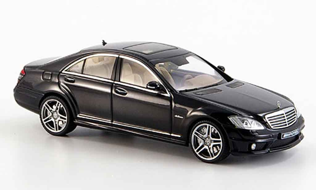 Mercedes Classe S 1/43 Autoart S63 AMG black diecast model cars
