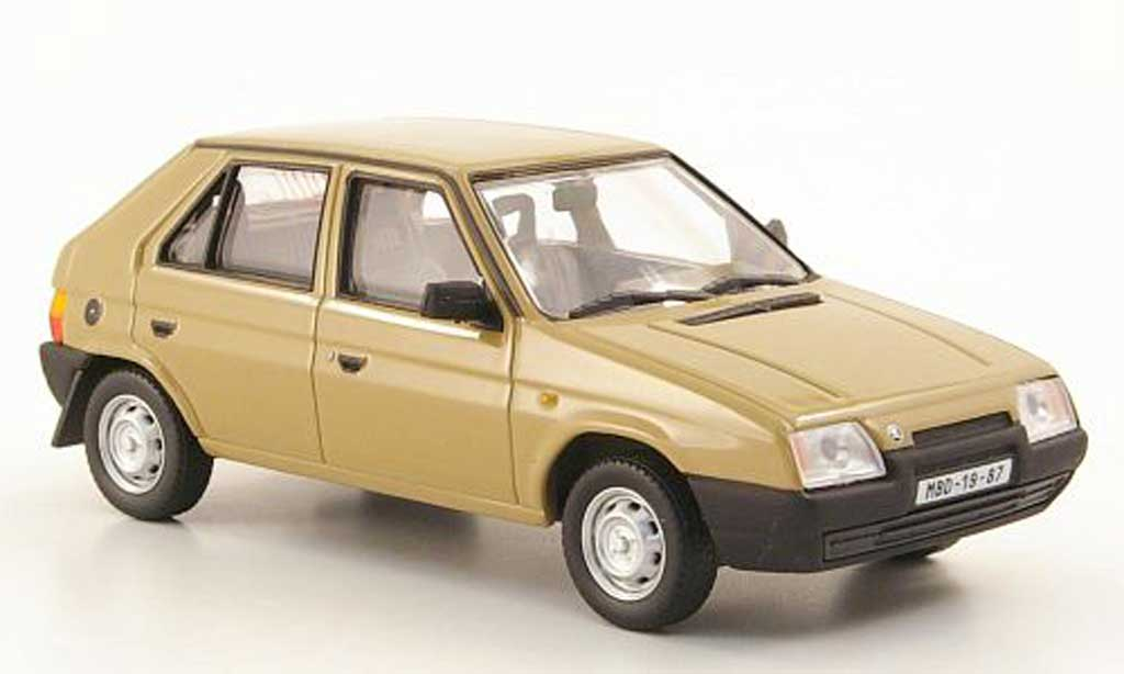 Skoda Favorit 1/43 Abrex 136L marron 1987 miniature