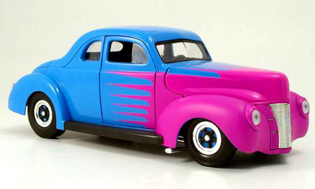 Ford Hot Rod 1/18 Eagle deluxe coupe hot rod bleu 1940 miniature