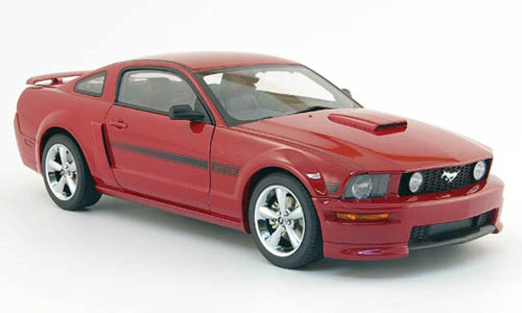 Ford Mustang 2007 1/18 Autoart gt california special  rouge miniature