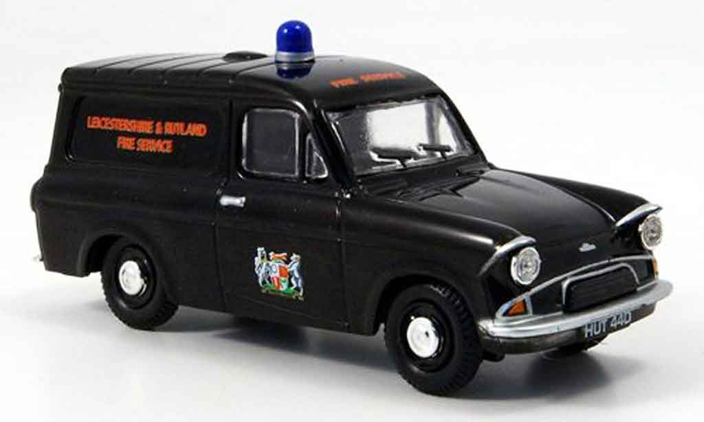 Ford Anglia 1/43 Oxford Van police Leicestershire & Rutland miniature