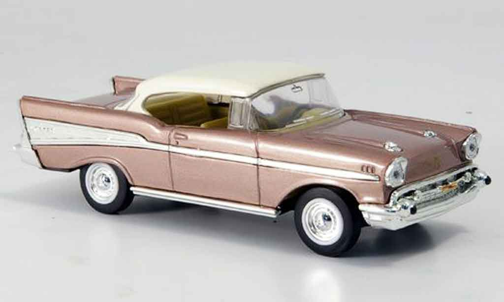Chevrolet Bel Air 1/43 Yat Ming rose blanchees Dach 1957 miniature