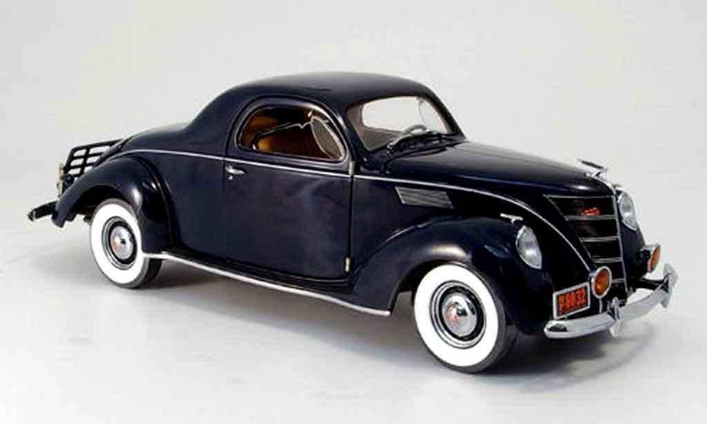 Lincoln Zephyr 1/18 Ertl bleu 1937 diecast