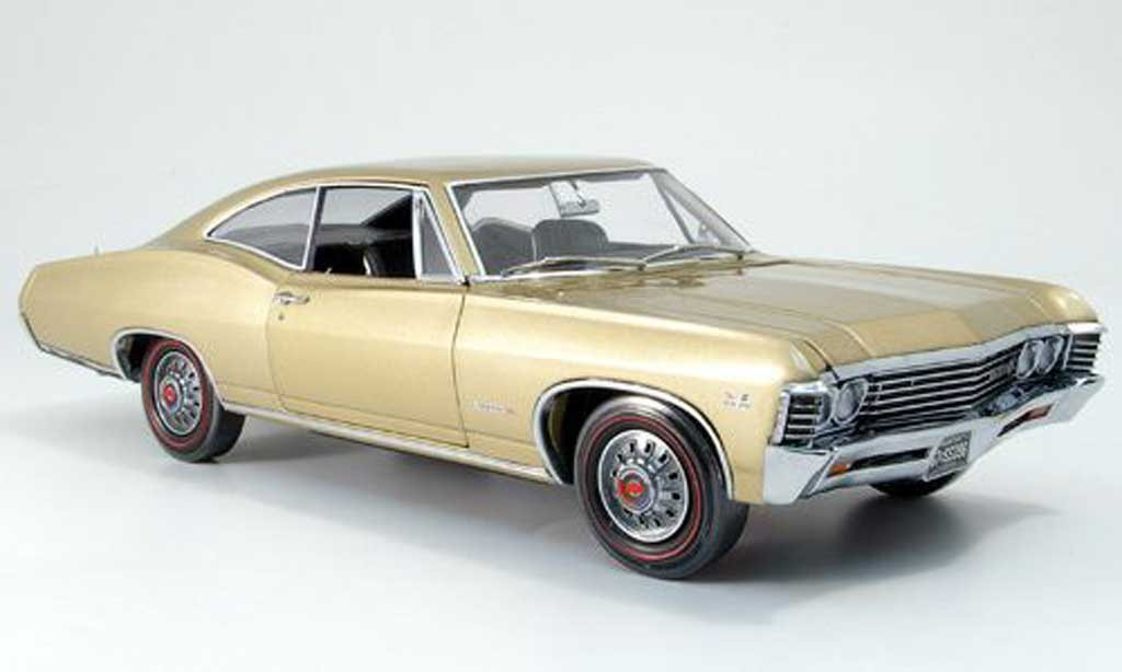 Chevrolet Impala 1967 1/18 Ertl ss or miniature