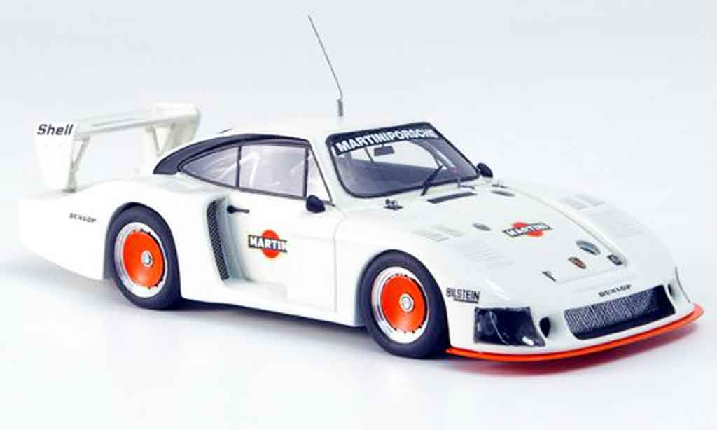 Porsche 935 1978 1/43 Look Smart Moby Dick Martini Press Version blanche miniature