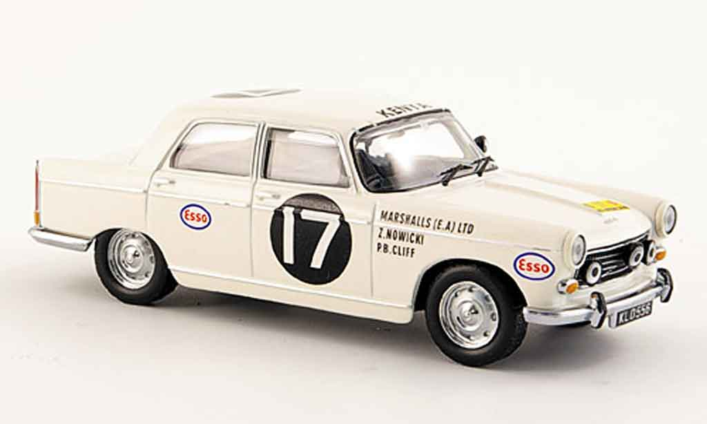 Peugeot 404 Berline 1/43 IXO no.17 sieger rallye safari 1968 miniature