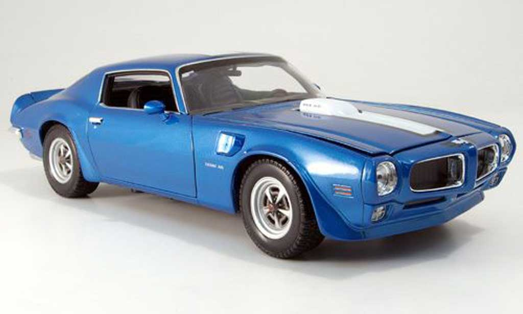Pontiac Firebird 1972 1/18 Welly trans am bleue miniature
