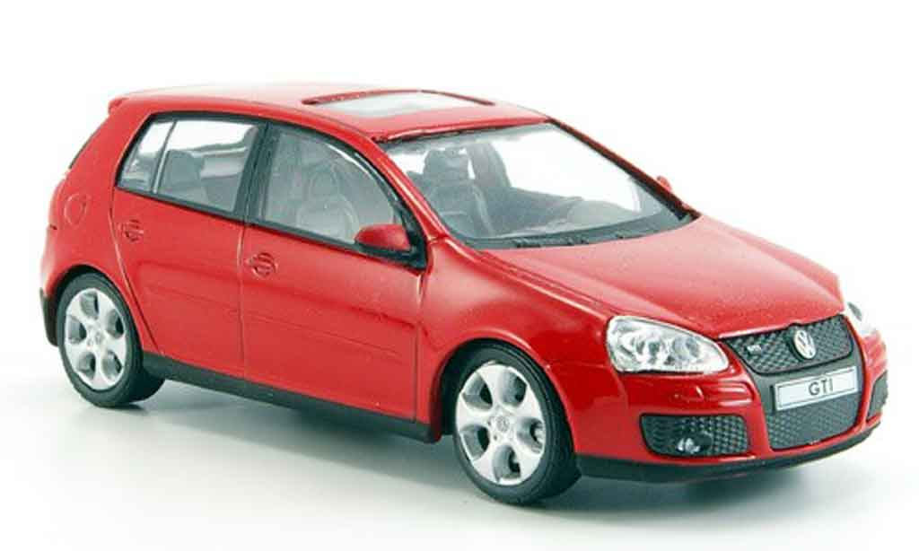 Volkswagen Golf V GTI 1/43 Cararama red diecast model cars