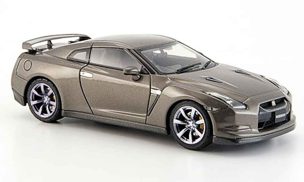 Nissan Skyline R35 1/43 Ebbro GT R titan 2007 miniature