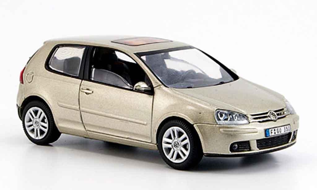 Volkswagen Golf V 1/43 Schuco champagner diecast