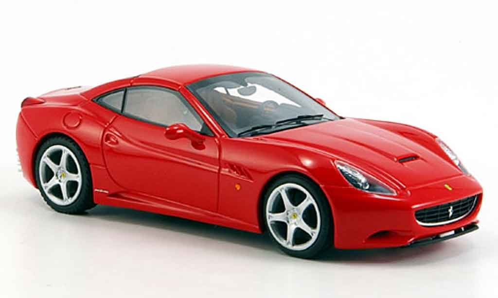 Ferrari California 2008 1/43 Look Smart 2008 rouge geschlossen miniature
