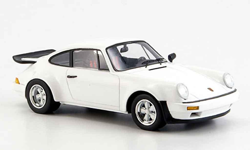 Porsche 930 1/43 Spark SC blanche 1984 miniature
