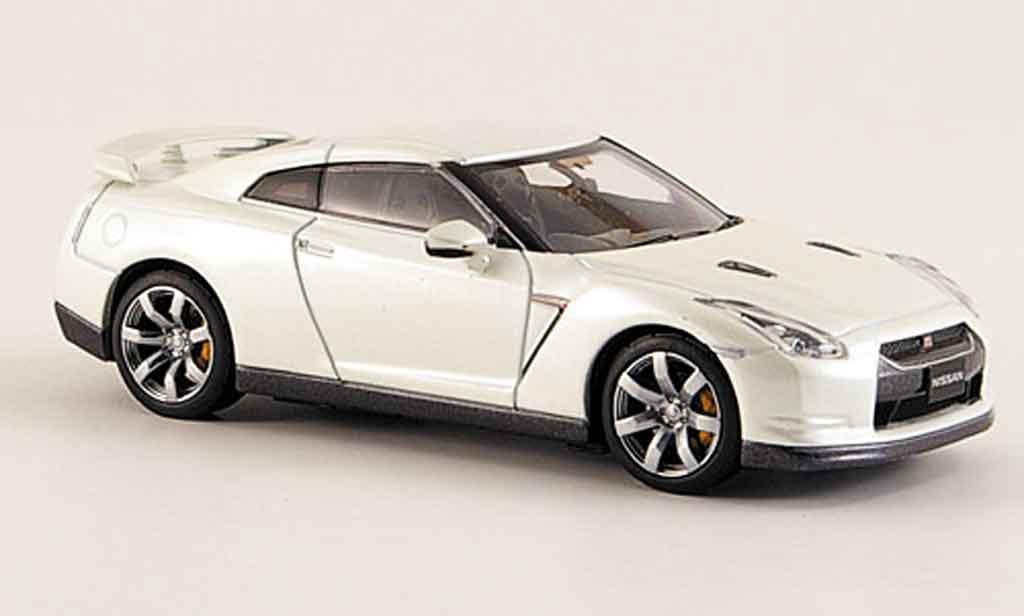 Nissan Skyline R35 1/43 Kyosho GTR  blanche 2008 miniature
