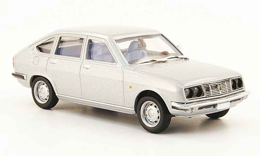 Lancia Beta berline 1/43 Pego grise metallisee miniature