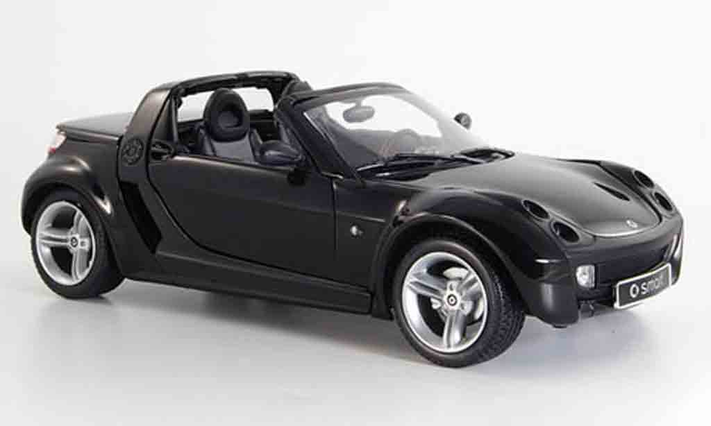 Smart Roadster 1/18 Kyosho noire 2003 miniature