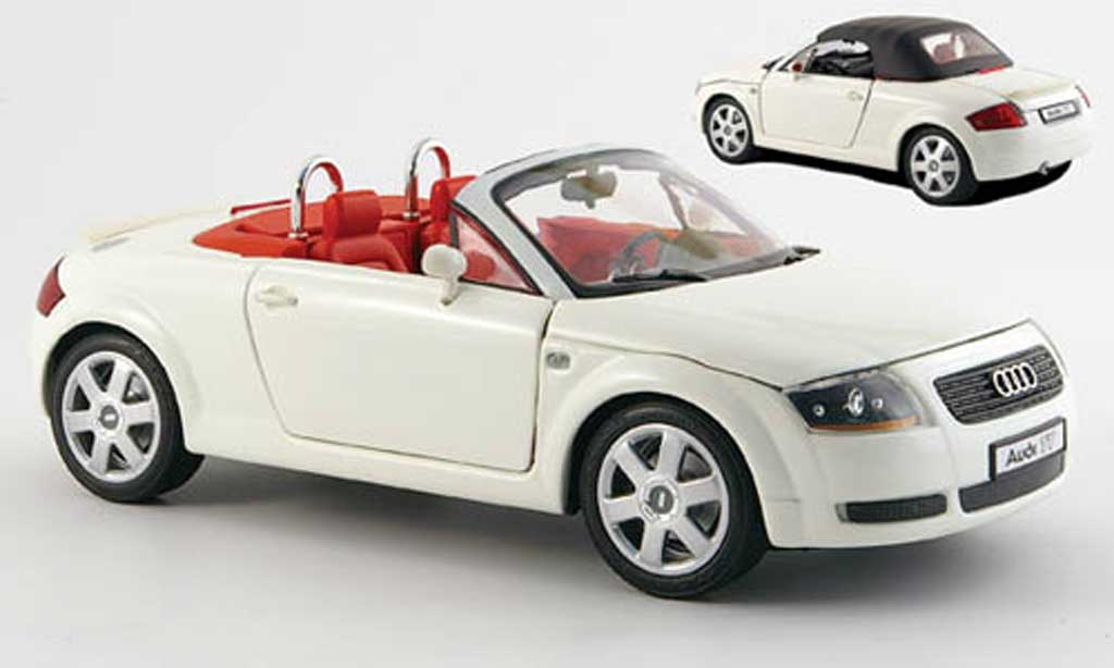 Audi TT Roadster 1/18 Revell white diecast model cars