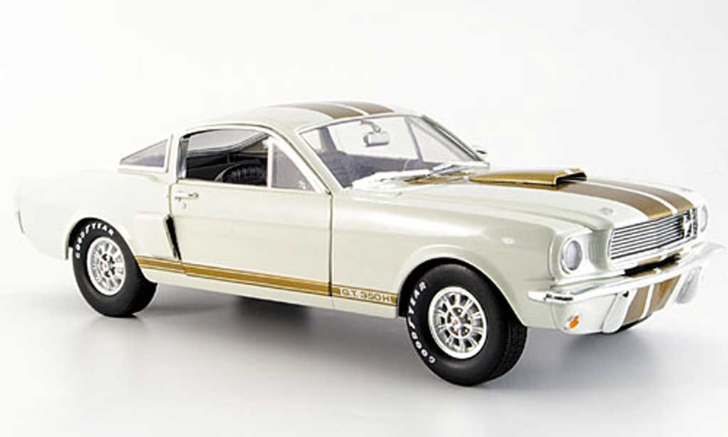 Shelby GT 350 1966 1/18 Shelby Collectibles bianca or miniatura