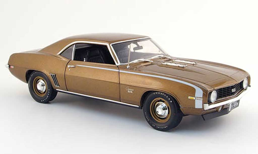 Chevrolet Camaro SS 1/18 Highway 61 396 marron 1969 miniature