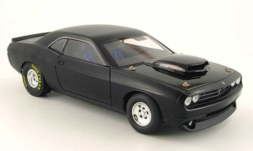 Dodge Challenger Super Stock 1/18 Highway 61 392 hemi super stock mattblack 2008 diecast