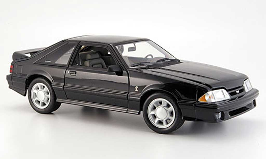 Ford Mustang 1993 1/18 GMP cobra noire miniature
