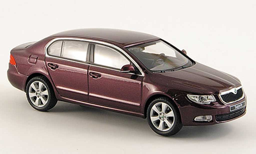Skoda Superb 2009 1/43 Abrex II rouge miniature