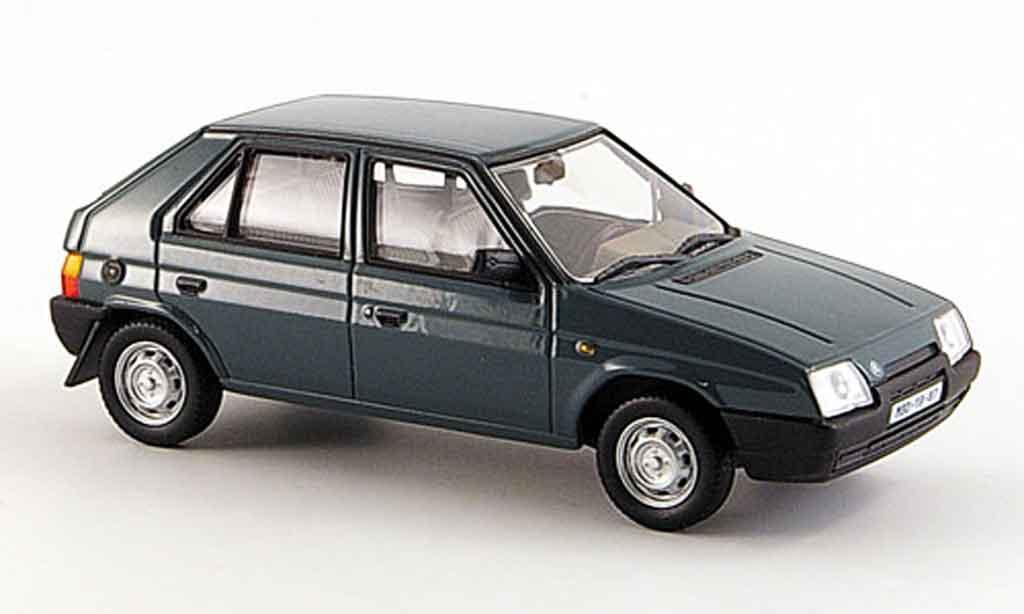 Skoda Favorit 1/43 Abrex 136 l petrol grise 1987 miniature
